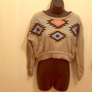 💕VDAY SALE💕F21 Crop Sweatshirt with Design